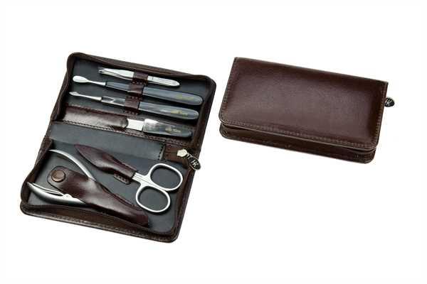 Manicure-Etui: 6-tlg. Bestückung, rostfrei; Vegetabiles Büffelleder, dunkelbraun